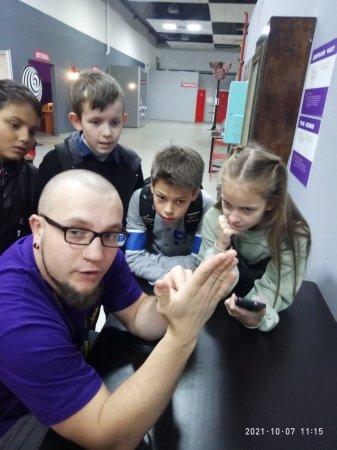 """Учні 5-х класів Євроленду відвідали музей популярної науки і техніки  """"Експериментаніум"""""""
